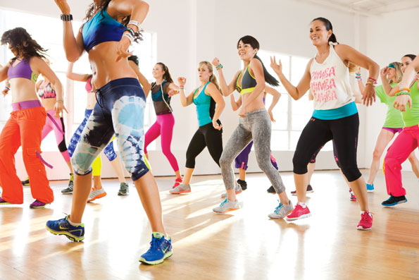hacer ejercicio en casa para bajar de peso bailando